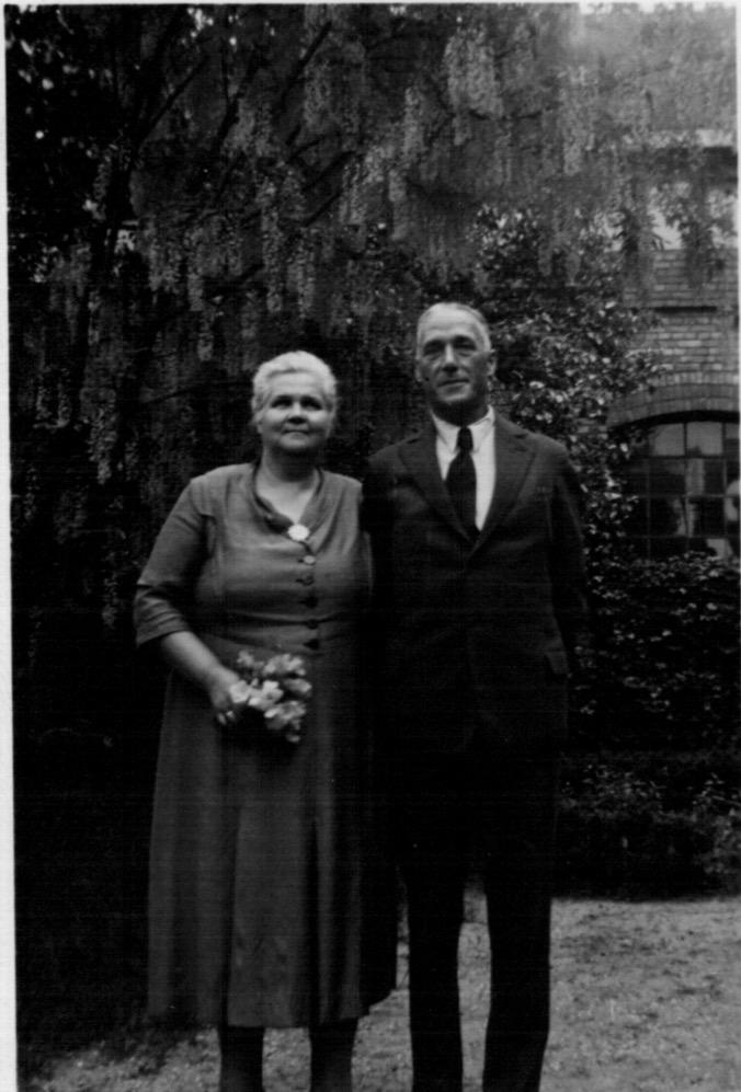 1950 Karola's parents' 28th anniversary